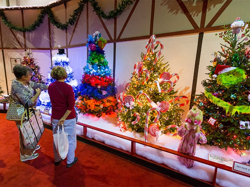 the expo center starts as an empty 250000 square foot building and is transformed into a christmas wonderland thanks to a crew of about 100 craftsmen