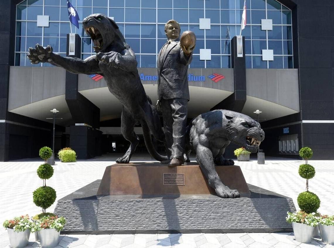 Panthers_Richardson Statue